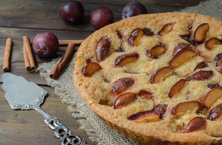 plum pudding: homemade plum cake
