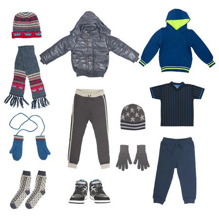 moda ropa: conjunto de ropa de invierno niño aislado en blanco Foto de archivo