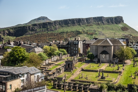 kirk: View from the Calton Hill to the Canongate Kirk and Salisbury Crags, Edinburgh City, Scotland Stock Photo