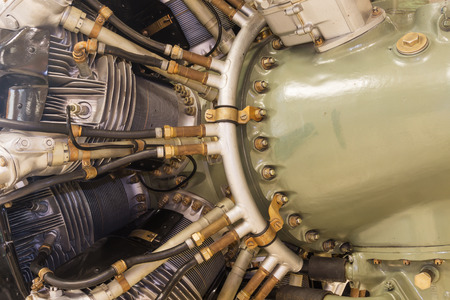 chamber of the engine: detailed exposition of the old piston aircraft engine