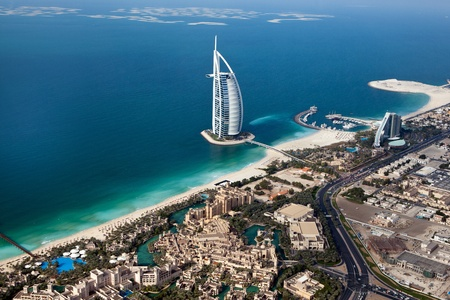 DUBAI, UAE - NOVEMBER 26  Burj Al Arab hotel on January 20, 2011 in Dubai, UAE  Burj Al Arab is a luxury 5 star hotel built on an artificial island in front of Jumeirah beach Editoriali