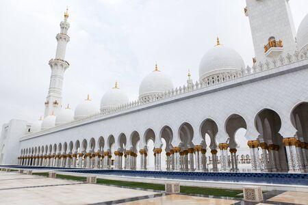 Wonderful white Sheikh Zayed mosque at Abu-Dhabi, UAE Stock Photo - 17217209