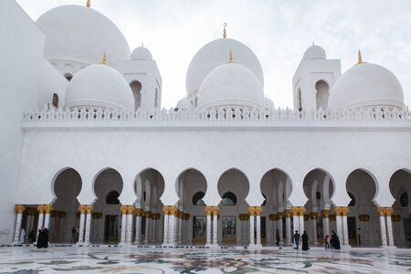 Beautiful white Sheikh Zayed mosque at Abu-Dhabi, UAE Stock Photo - 17327158