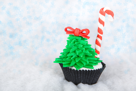 Christmas tree cupcake with white fondant Stock Photo - 24174612