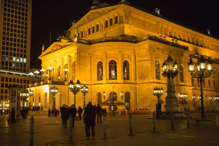 alte: FRANKFURT - MAR 2: Alte Oper at night on March 2, 2013 in Frankfurt, Germany. Alte Oper is a concert hall built in the 1970s on the site of and resembling the old Opera House destroyed in WWII. Editorial