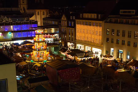 weihnachtsmarkt: Traditional christmas market in the historic center of Fulda, Germany