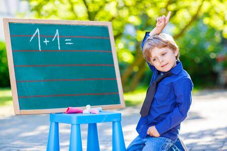 Abziehen Mit Bildern, Mathe-Arbeitsblatt Für Kinder Lizenzfreie ...