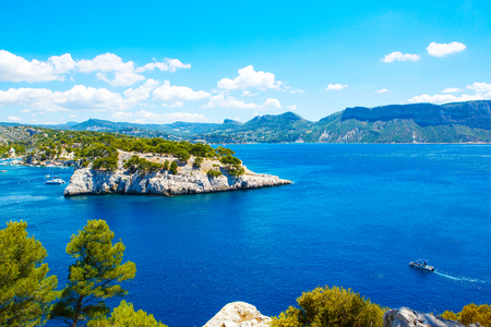 Landscape view on calanques of Port Pin in Cassis near Marseille, Provence, France. 스톡 콘텐츠