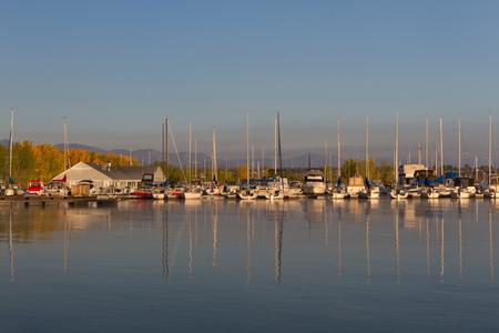chatfield: Chatfield marina in Chatfield State Park at sunrise