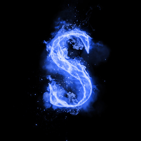Fire letter S of burning blue flame. Flaming burn font or bonfire alphabet text with sizzling smoke and fiery or blazing shining heat effect. Incandescent cold fire glow on black background 스톡 콘텐츠