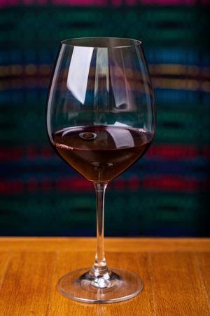 Wine glasses in a restaurant. Imagens