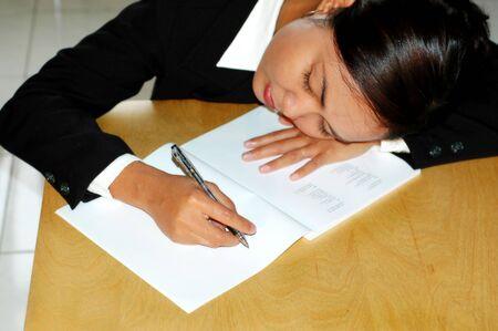 trabajando duro: Trabajo duro - cansado  Foto de archivo