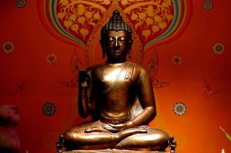 budha: Budha statue - landscape format