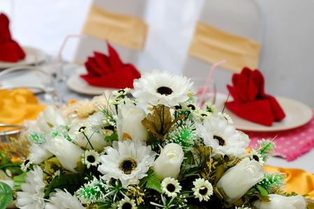 cater: Wedding table decoration - focus on the flowers
