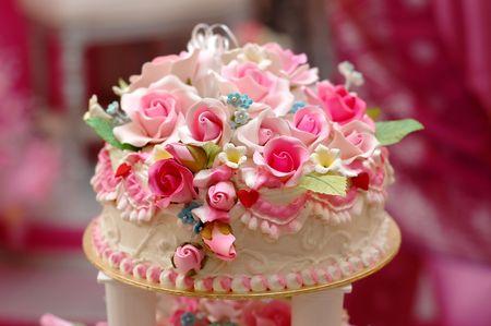 curare teneramente: Torta nuziale closeup  Archivio Fotografico