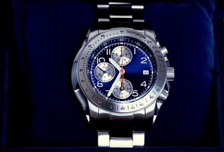 cronografo: Cron�grafo relojes en caja azul  Foto de archivo