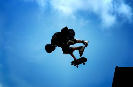 showoff: Skateboarding - on the air