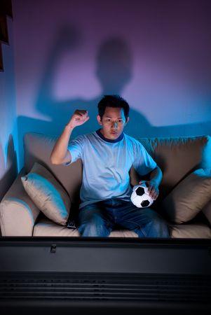 テレビで男を見てライブ サッカー ゲーム