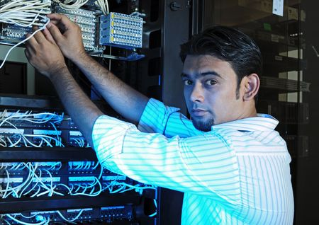 IT システム管理者