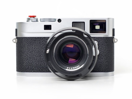 viewfinder vintage: Rangefinder camera on white background