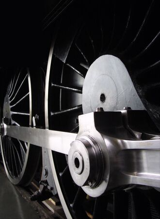 pistons: Steam engine wheels