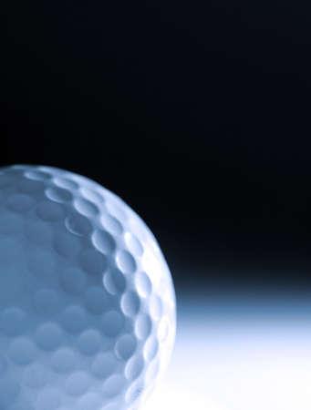 blue toned: Blue tonica immagine di pallina da golf contro laureato sfondo Archivio Fotografico