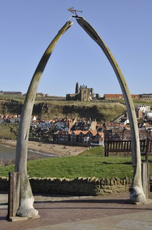 whitby: Whitbys famous whale bone archway overlooking the town. Bram Stoker is said to have got his inspiration for part of his Dracula novel whilst visiting Whitby. Stock Photo
