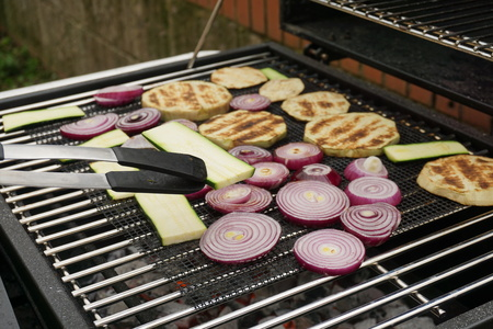 Grilling vegetables on a outdoor barbecue