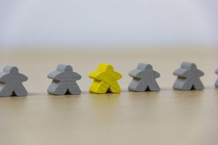 Gruppe von Spielsteinen mit unterschiedlicher Farbe, Diversitätskonzept