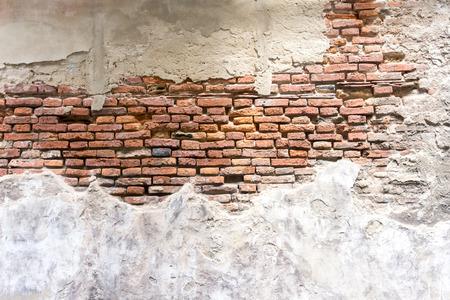오래 된 벽돌 벽 조각 풍 화.