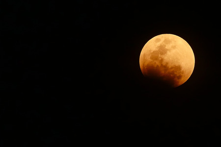 bloody red moon, total Lunar eclipse as seen from Bangkok, Thailand. Foto de archivo