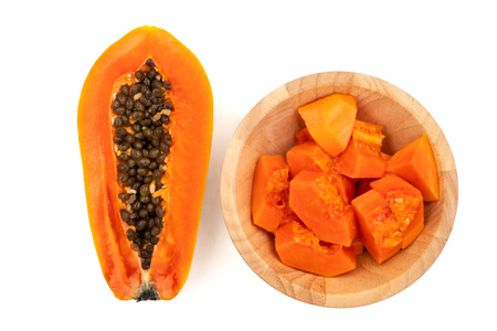 Slices of sweet papaya on white background Stockfoto - 103629255