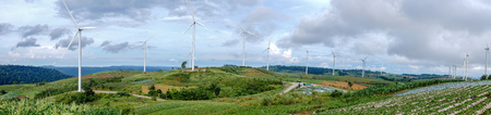 Panorama view of Electrical Eco power maker wind turbine in Thailand. Imagens