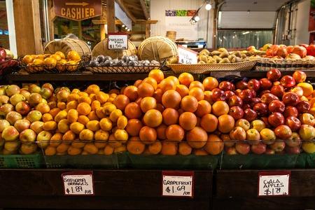A variety of fruits on sale at the farmer Reklamní fotografie - 30612922