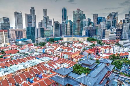 백그라운드에서 금융 지구 싱가포르 차이나 타운의 공중보기.