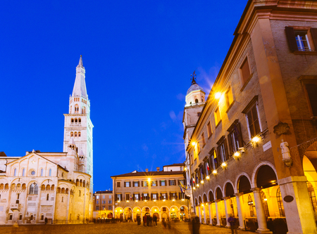 Modena, Emilia Romagna, Italy. Piazza Grande and Duomo Cathedral at sunset. Stok Fotoğraf