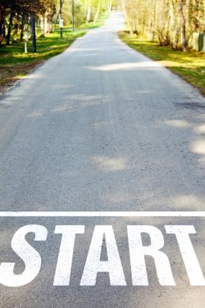 metas: carretera de asfalto con la muestra en blanco de inicio Foto de archivo