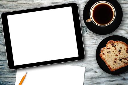 デジタル タブレット, ノートブック, ケーキとコーヒーのカップと職場