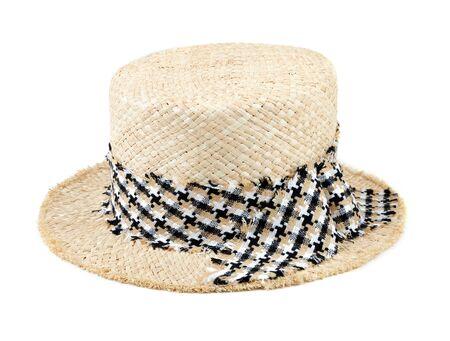 chapeau de paille: chapeau de paille avec un ruban isolé sur blanc