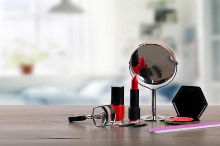 部屋のテーブルに diy の化粧品 写真素材