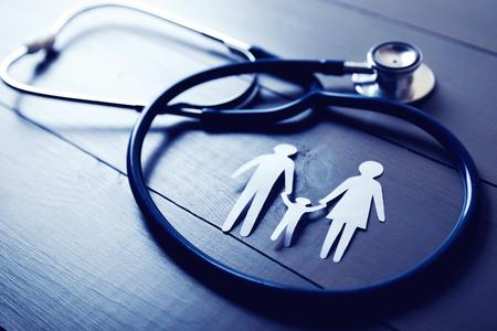 Familiengesundheits- und Versicherungskonzept Standard-Bild - 89206415