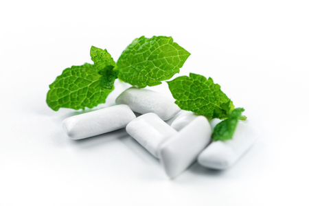 chewing gum with mint flavor on white background Banque d'images