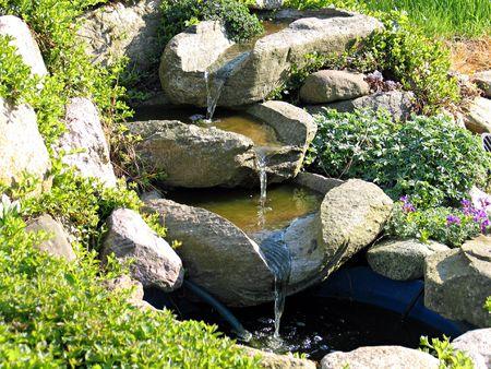 Dekorative Garten Stein Wasserfall Teich Stockfoto - 3075028