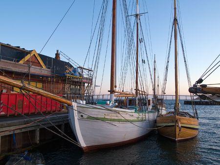 Vecchio belle barche d'epoca a vela di legno grandi velieri Archivio Fotografico - 5906194