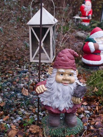 gnomos: Fondo de vacaciones de gnomos de jard�n de Navidad