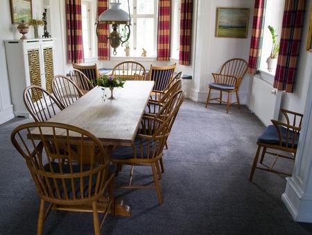 stile country: Design degli interni immagine di una bellissima sala da pranzo classico in stile country Editoriali