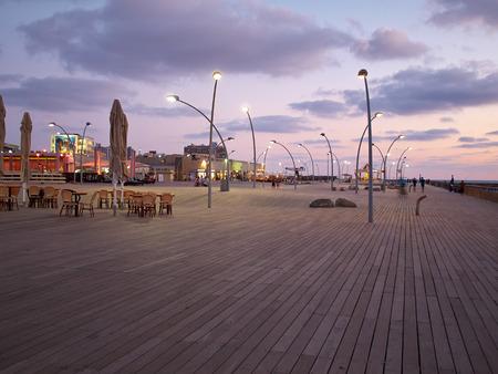 atracci�n: El antiguo puerto de Tel Aviv Israel cubierta de madera famosa tur�stico y de inter�s local Foto de archivo