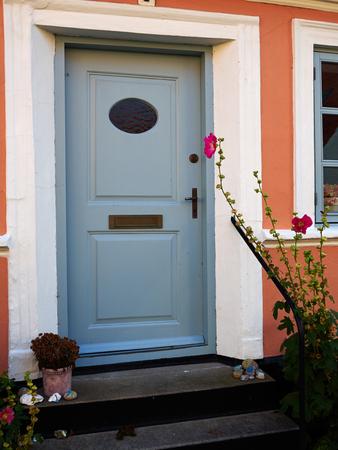 artesanía colorido tradicional vendimia puerta principal de madera Dinamarca