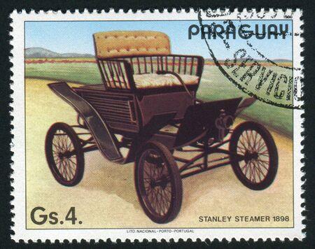 PARAGUAY - CIRCA 1986: La compañía de transporte de motor de Stanley fue un fabricante de vehículos de motor de vapor que operó entre 1902 y 1924, alrededor del año 1986.  Foto de archivo - 5840384