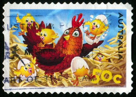 chicken wings: AUSTRALIA - CIRCA 2005: stamp printed by Australia, shows Hen and chicks, circa 2005